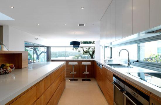 Обустраиваем кухню в частном доме